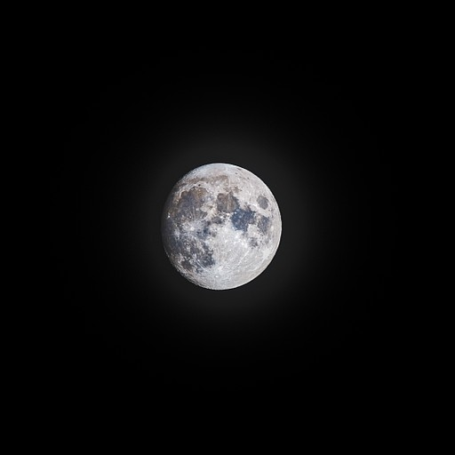 לילה נטול זיהום אור סיפק ירח גדול ובוהק