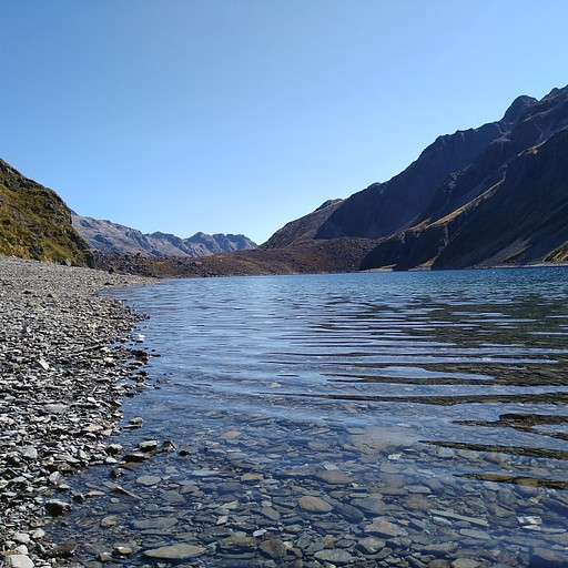 אגם קונסטנס. גם הוא כחול