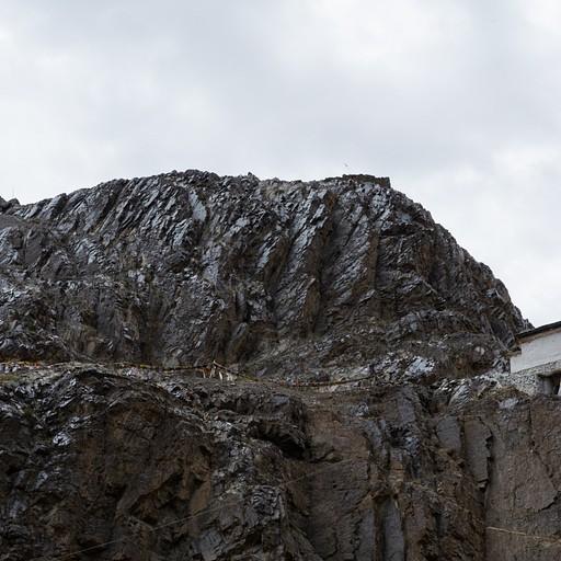 המנזר על ההר בהונדר
