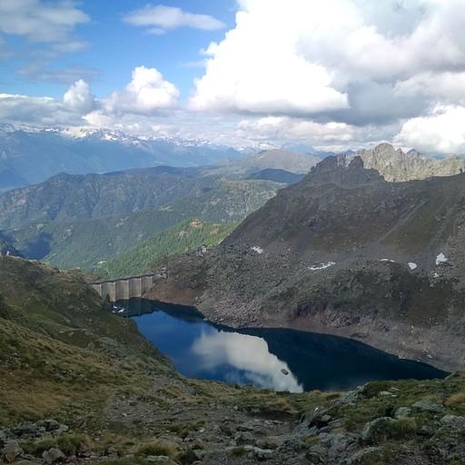 האגם Lago dell' Inferno