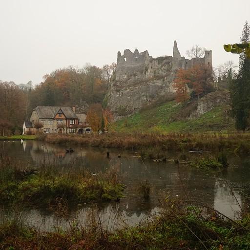 château fort de Montaigle