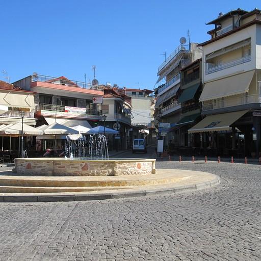 הכיכר המרכזית שבכפר