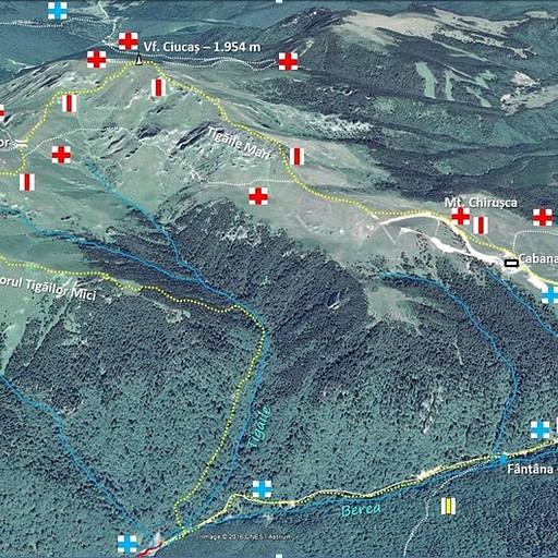 המסלולים על רכס Ciucas ביום הראשון עשינו את המסלול עם הצלב האדום על רקע לבן