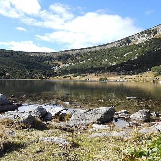 האגם של בקתת בזבוג