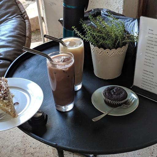 ארוחה שוקולדית במפעל השוקולד