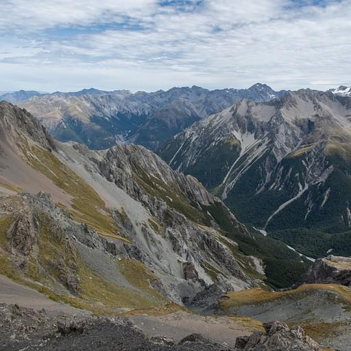 Avalanche peak (בארתורס פאס)