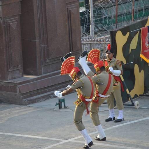הפגנת גמישות של החיילים ההודיים