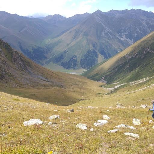 הירידה לעמק Turgen Ak-Suu