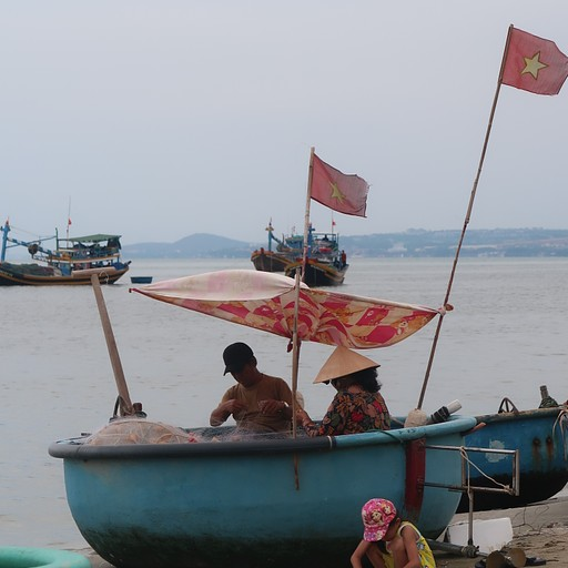 הסירות הקטנות בכפר הדייגים