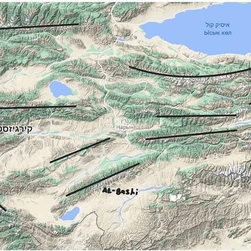 העתקים המגדירים את הרכסים של הטיאן שאן - כיוון מזרח מערב.