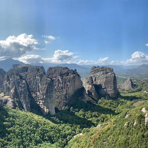 נוף מהתצפית לכיוון המנזרים