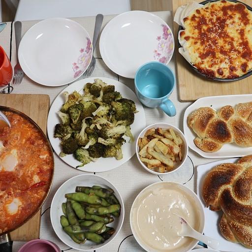 ארוחת שישי ביתית בבית שלום