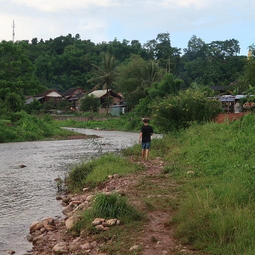 הנהר בכפר nam ngan