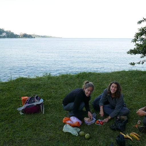 פיקניק על שפת האגם