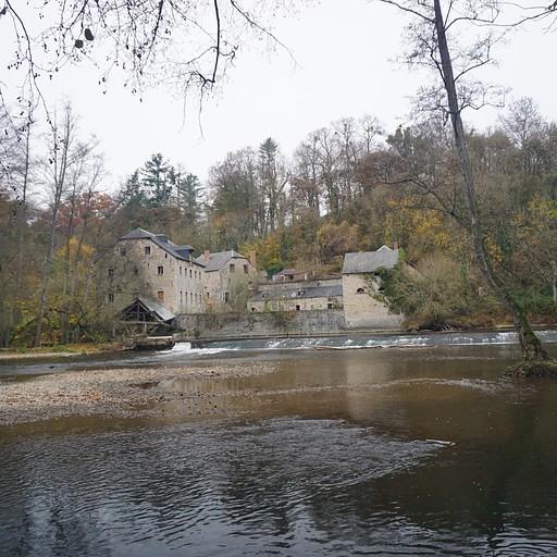 ליד Château de Walzin