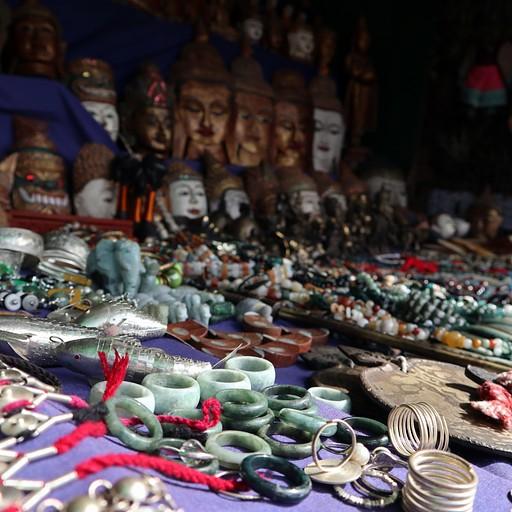 דוכני פיצ'פקעס בורמזי בשוק