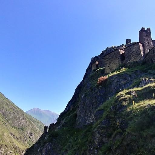 הטירה מלמטה