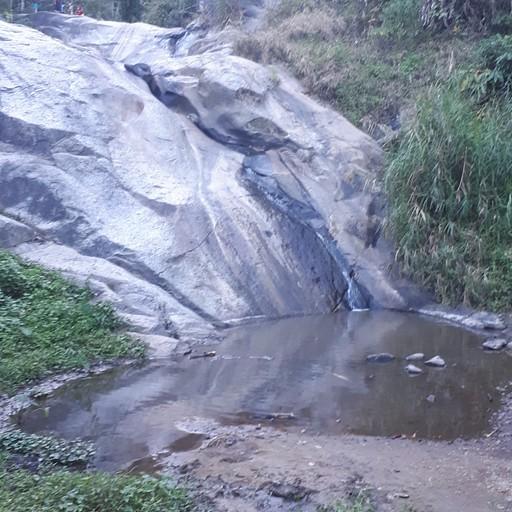 מפל mo paeng