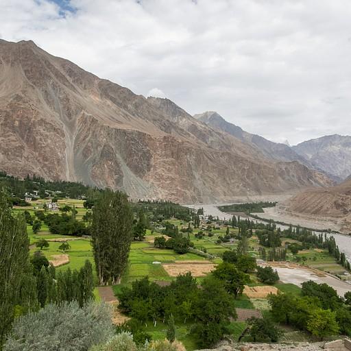 הנוף על הכפר מהמנזר