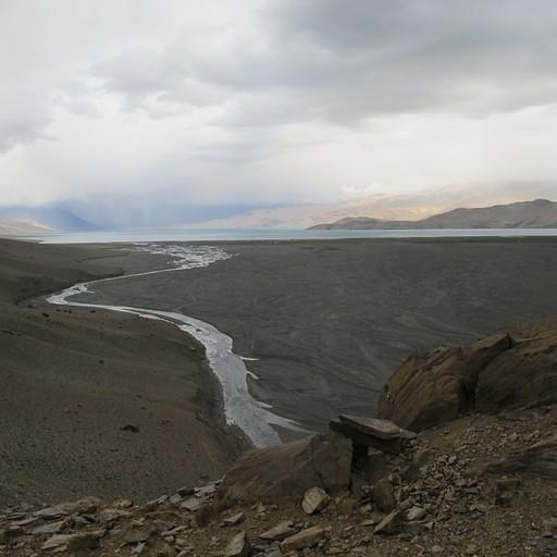 הנחל הדרומי שמתחבר לאגם מכיוון השלוחה