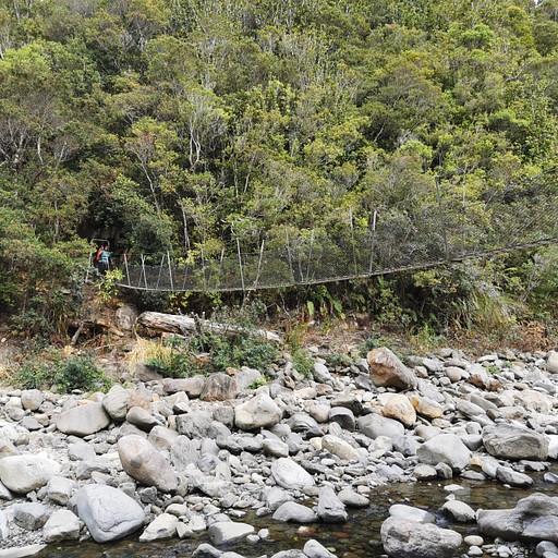 הגשר הראשון מעל לנהר Kauaeranga