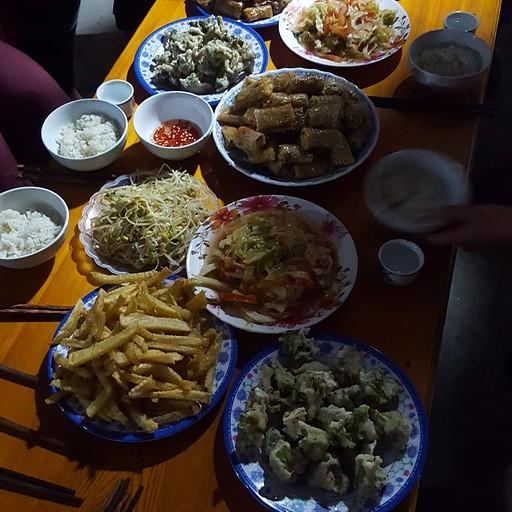 ארוחת ערב בהום-סטיי