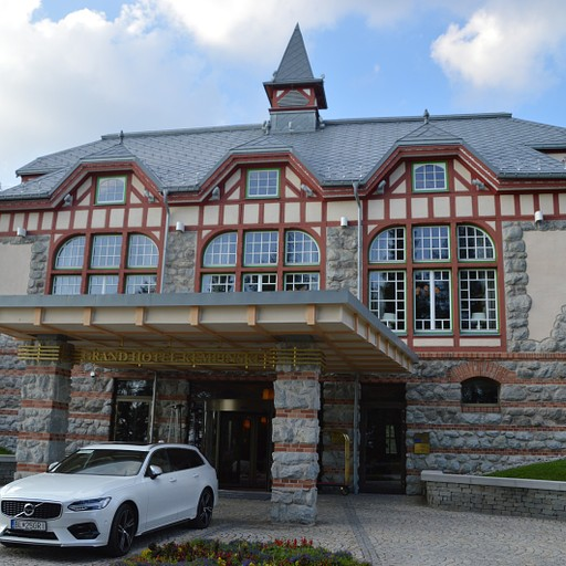 חזית מלון קמפינסקי