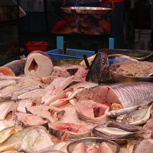 שוק דגים ברחובות