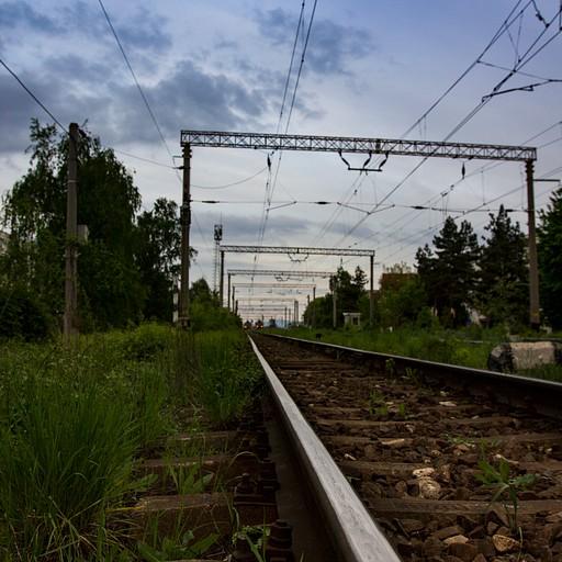 מסילות הרכבת בבראשוב.