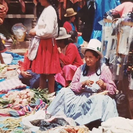 שוק יום א' בעיירה פיסאק