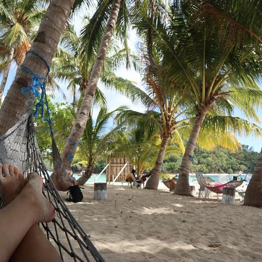 בטן גב על ערסל בטור של אדוארד, מנוחת צהריים באחד האיים, פורט ברטון