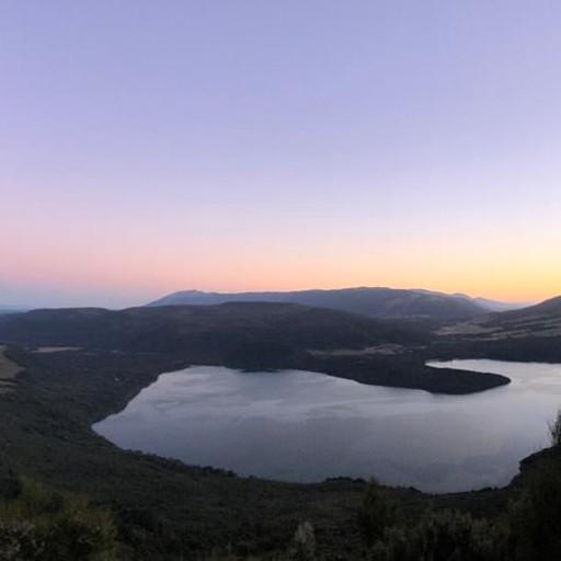 אגם רוטאיטי rotaiti מהעליה על רכס רוברט
