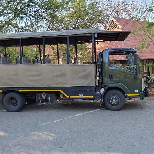 רכב ספארי לסיורים מודרכים