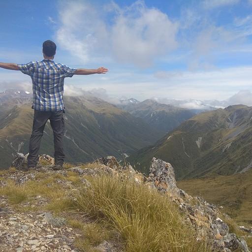 נוף אופייני לArthur's Pass ולSouthern Alps