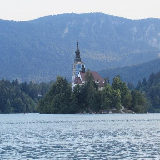 אגם בלד המפורסם - אתר תיירות קלאסי