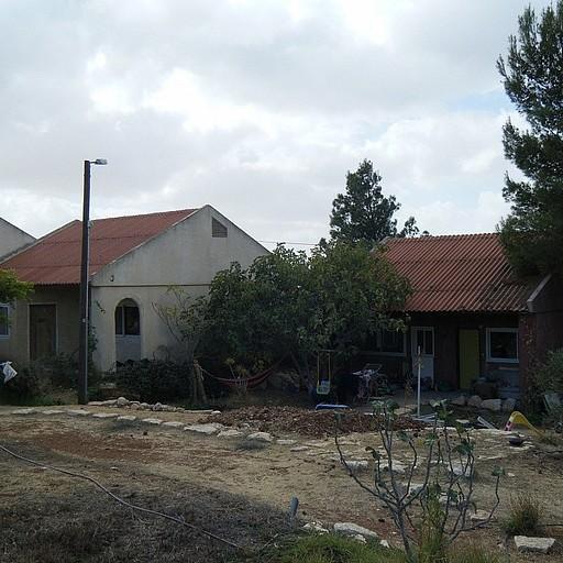 הבתים הקטנים שבקיבוץ