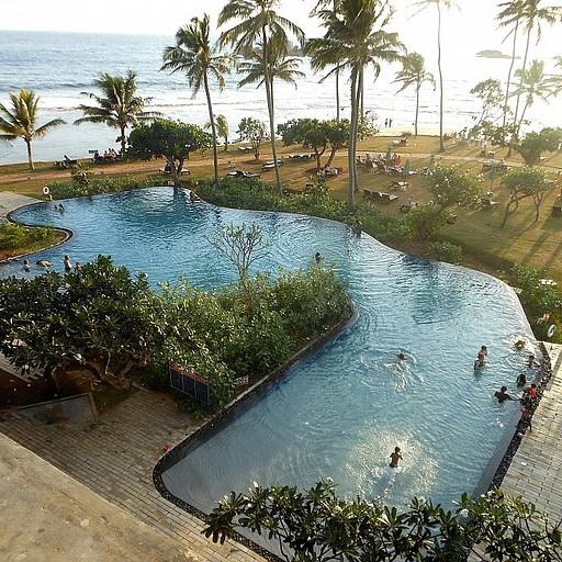 מראה החוף ממרפסת המלון