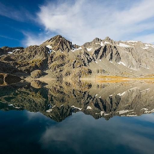 לקראת השקיעה האגם הופך למראה מדהימה!
