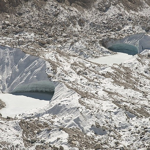 קרחון הקומבו בדרך