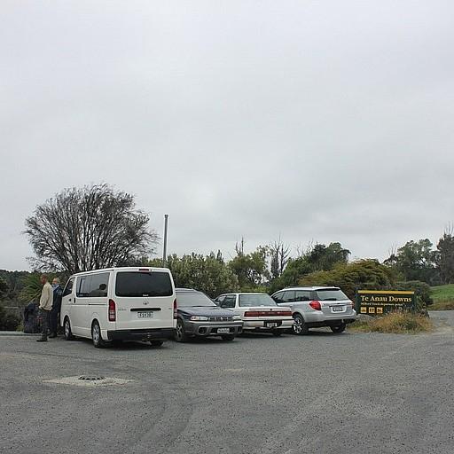 אפשר להשאיר את הרכבים ב-Te Anau Downs