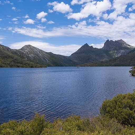 Dove Lake.