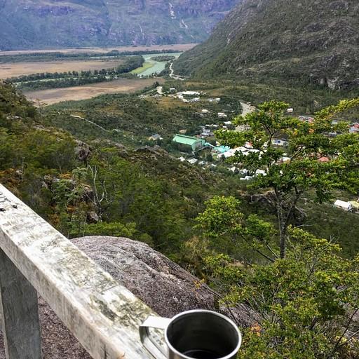 תצפית על הפיורד והעמק