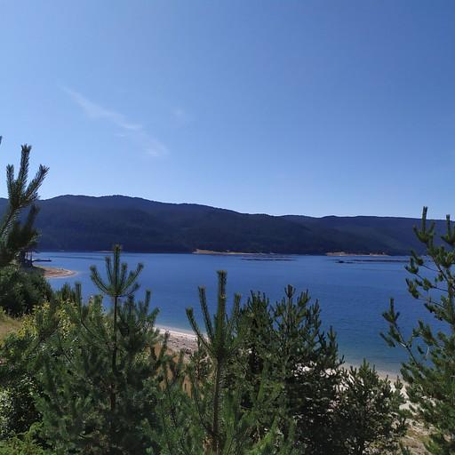 אגם דוספאט
