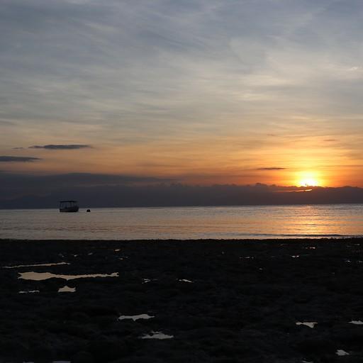 שקיעה בחוף הלבן, White Beach במואל בואל