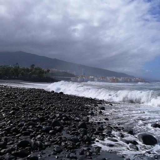 אני קורא לפלייה דה קסטיו החוף המכושף.