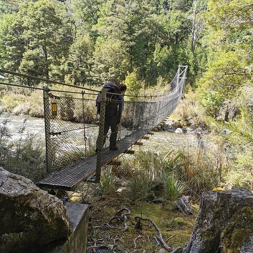 הגשר לבקתת West Sabine