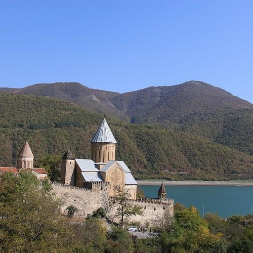 מצודת Ananuri.