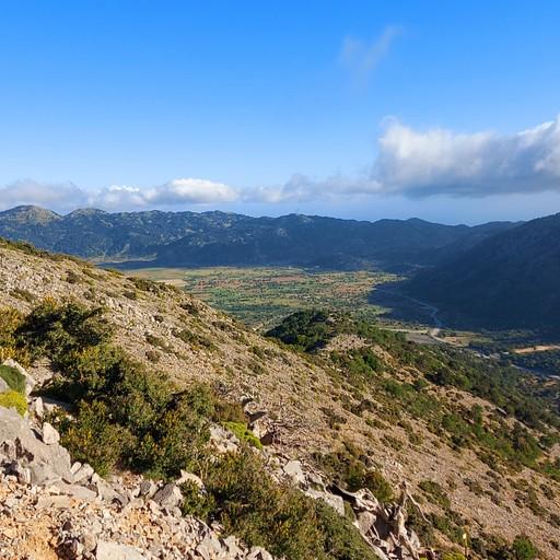 מבט אחורה לעמק אומלוס