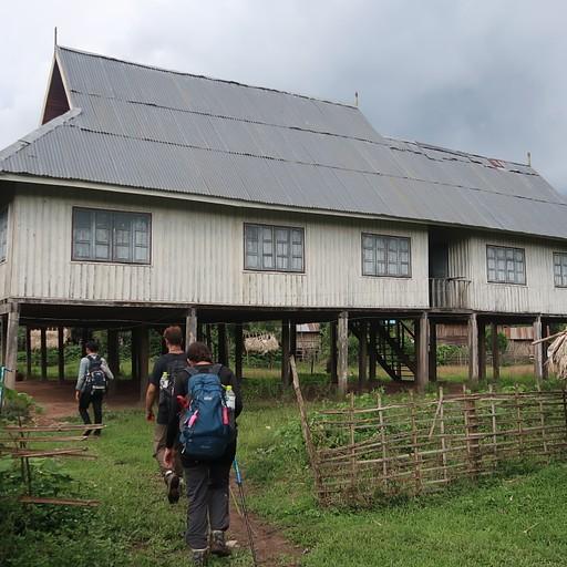 בית הספר בכפר Nalan neau