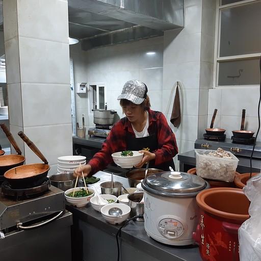 מתנסים לראשונה באוכל סיני אמיתי